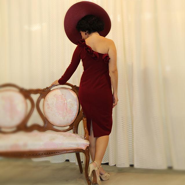 Modelo vestido fiesta burdeo
