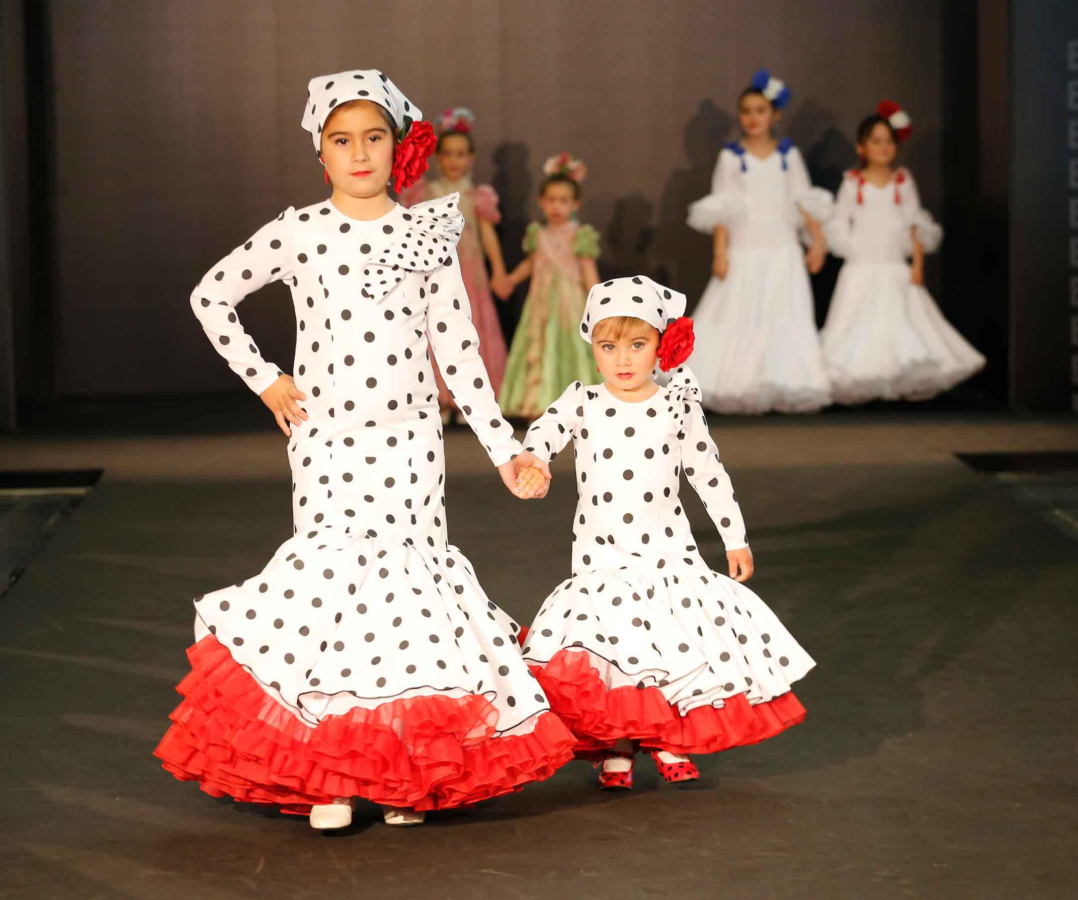Vestido flamenca niña lunares pañuelo